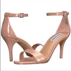 Steve Madden nude heels size 6